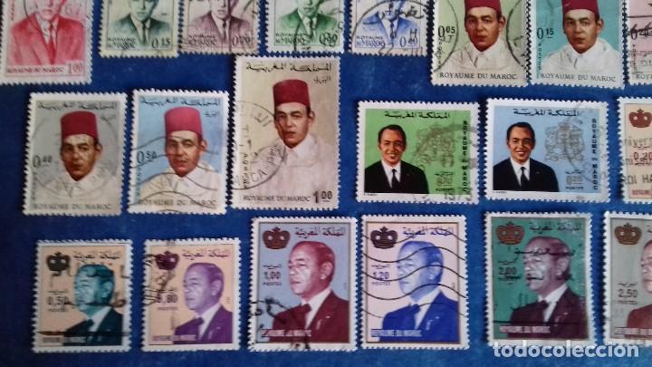 Sellos: Marruecos. Lote de 31 sellos diferentes de Hassan II y Mohammed V. Usados. - Foto 2 - 142418658