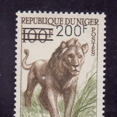 Sellos: NIGER 111 SIN CHARNELA, FAUNA, LEON, INDEPENDENCIA, SOBRECARGADO, . Lote 24577681