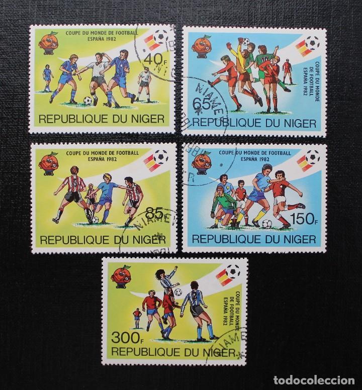 Sellos: NIGER 1982, COUPE DU MONDE DE FOOTBALL, ESPAÑA 82 COPA MUNDIAL DE FUTBOL, SERIE COMPLETA - Foto 2 - 87549264
