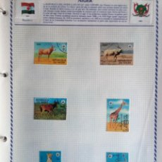 Sellos: NÍGER, HOJA DE ÁLBUM CON 6 SELLOS ANIMALES SALVAJES, USADOS, CON CHARNELAS . Lote 126755323