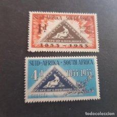 Sellos: SUDÁFRICA,1953,CENTENARIO EMISIÓN POSTAL,SCOTT 193**-194*,NUEVOS CON Y SIN FIJASELLO,(LOTE AG). Lote 147732606