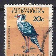 Sellos: SUDÁFRICA 1961 - MOTIVOS LOCALES, FAUNA, AVES SAGITARIO SERPENTARIO - SELLO USADO. Lote 210026425