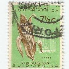 Sellos: SELLO USADO DE SUDAFRICA DE 1961- MAZORCA - YVERT 255- VALOR 7 1/2 CENTIMOS- SELLADO EN PRETORIA. Lote 232865295