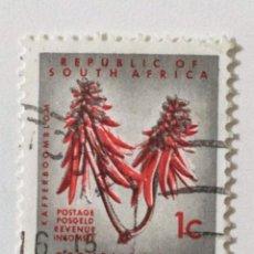 Sellos: SELLO DE SUDAFRICA 1 C - 1961 - FLORES - USADOS SIN SEÑAL DE FIJASELLOS. Lote 266453323