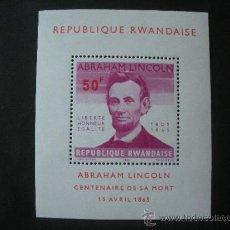 Sellos: RWANDA 1965 HB IVERT 5 *** CENTENARIO MUERTE ABRAHAM LINCOLN - PERSONAJES. Lote 35901575