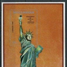 Sellos: MOZAMBIQUE 1986 HB IVERT 17 *** CENTENARIO DE LA ESTATUA DE LA LIBERTAD EN NUEVA YORK. Lote 158234378