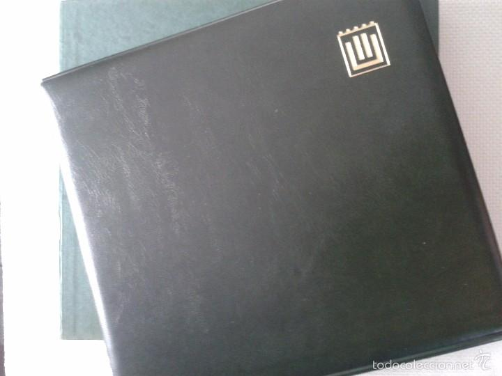 ÁLBUM (COLOR NEGRO) DE SELLOS DE ESPAÑA ANTIGUOS ,ALREDEDOR DE 285 SELLOS (Sellos - Material Filatélico - Álbumes de Sellos)