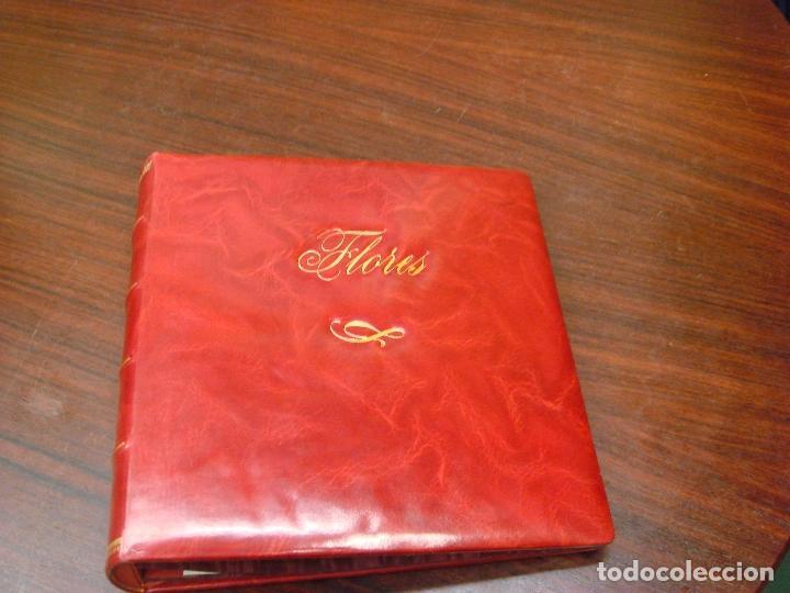 Sellos: ANTIGUO ALBUM DE SELLOS EN PIEL ROJA MARMOL CON ESTUCHE. FLORES. SIN HOJAS. C1960. - Foto 4 - 101925135
