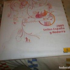 Sellos: LIBRO SELLOS DE ESPAÑA Y ANDORRA 2009 FILATELIA CORREOS GRAN FORMATO 88 PG. Y 3 CARPETAS SELLOS. Lote 141595806