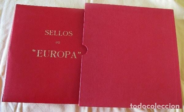 ÁLBUM Y ESTUCHE TEMA EUROPA PUIGFERRAT - OLEGARIO CON TORNILLOS (Sellos - Material Filatélico - Álbumes de Sellos)