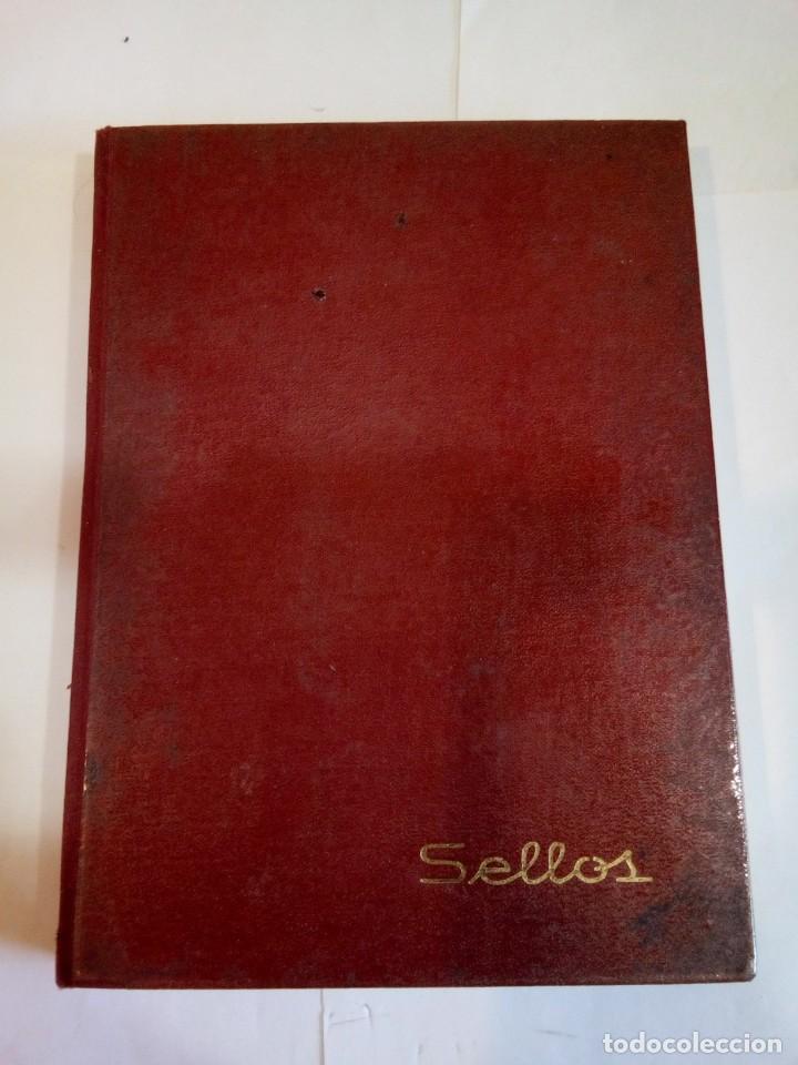 ÁLBUM DE SELLOS CON MÁS 200 DETODO MUNDO (Sellos - Material Filatélico - Álbumes de Sellos)