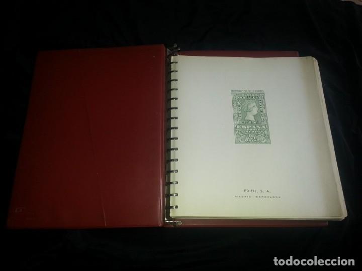 ALBUM CON HOJAS EDIFIL 2º CENTENARIO DE ESPAÑA. 1950 A 1976. HOJAS COLOR CREMA( VER FOTOS ) (Sellos - Material Filatélico - Álbumes de Sellos)
