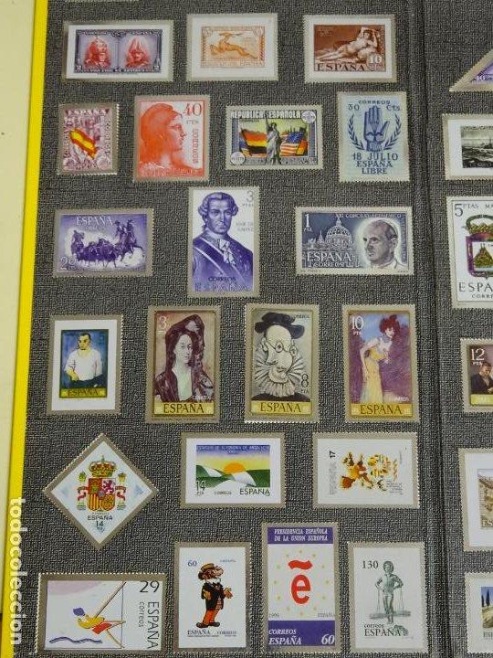 Sellos: ÁLBUM COMPLETO DE 100 SELLOS METÁLICOS HISTORIA POSTAL DE MÁLAGA 1850 2000. 630 GR - Foto 2 - 184136277
