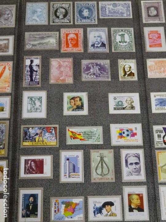 Sellos: ÁLBUM COMPLETO DE 100 SELLOS METÁLICOS HISTORIA POSTAL DE MÁLAGA 1850 2000. 630 GR - Foto 5 - 184136277