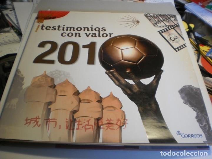 ÁLBUM DE SELLOS DE CORREOS ESPAÑA Y ANDORRA 2010 (VACÍO Y EN BUEN ESTADO DE CONSERVACIÓN) (Sellos - Material Filatélico - Álbumes de Sellos)