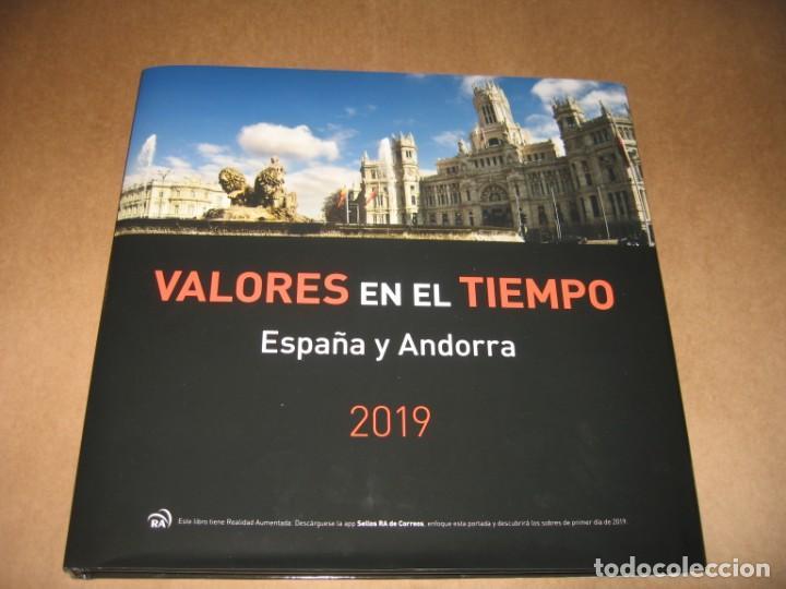 LIBRO DE CORREOS VALORES EN EL TIEMPO ESPAÑA Y ANDORRA 2019 (Sellos - Material Filatélico - Álbumes de Sellos)