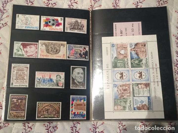 Sellos: Album Oficial 80 de Correos Emisiones filatélicas anual CON SELLOS - Foto 2 - 195491217