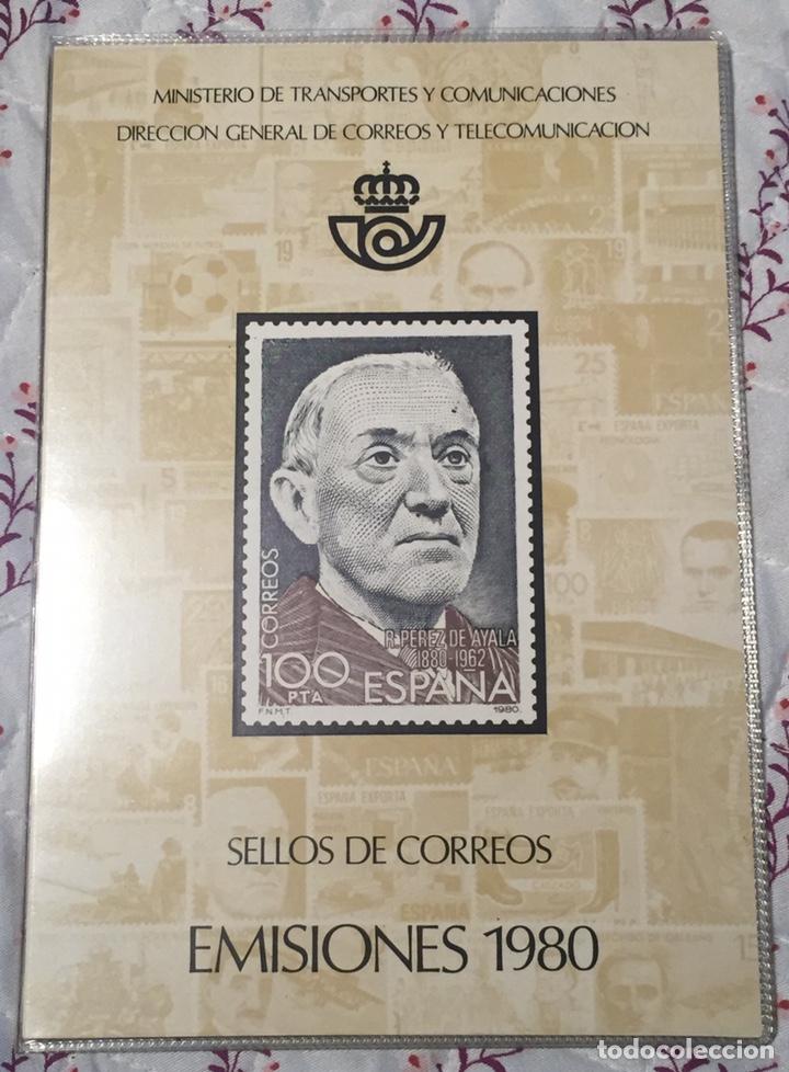 ALBUM OFICIAL 80 DE CORREOS EMISIONES FILATÉLICAS ANUAL CON SELLOS (Sellos - Material Filatélico - Álbumes de Sellos)