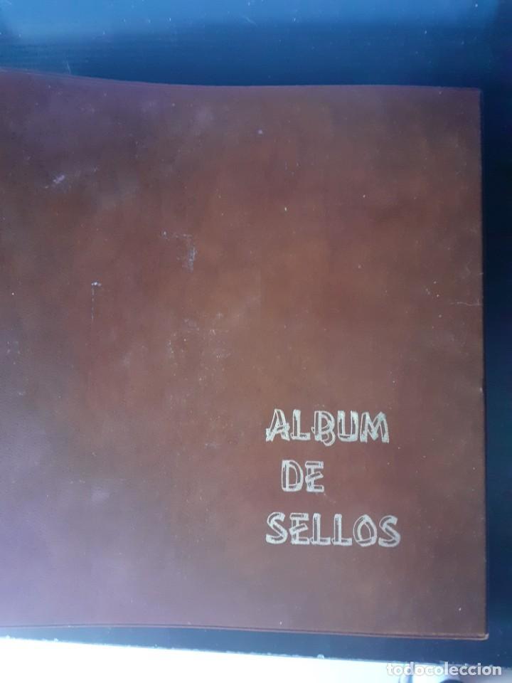 ALBUM ANTIGUO SELLOS ANILLAS CON 17 HOJAS VACIAS, LOS SELLOS SE ESTÁN DESPEGANDO. (Sellos - Material Filatélico - Álbumes de Sellos)
