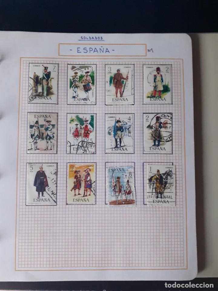 Sellos: album antiguo sellos anillas con 17 hojas vacias, los sellos se están despegando. - Foto 27 - 255603940