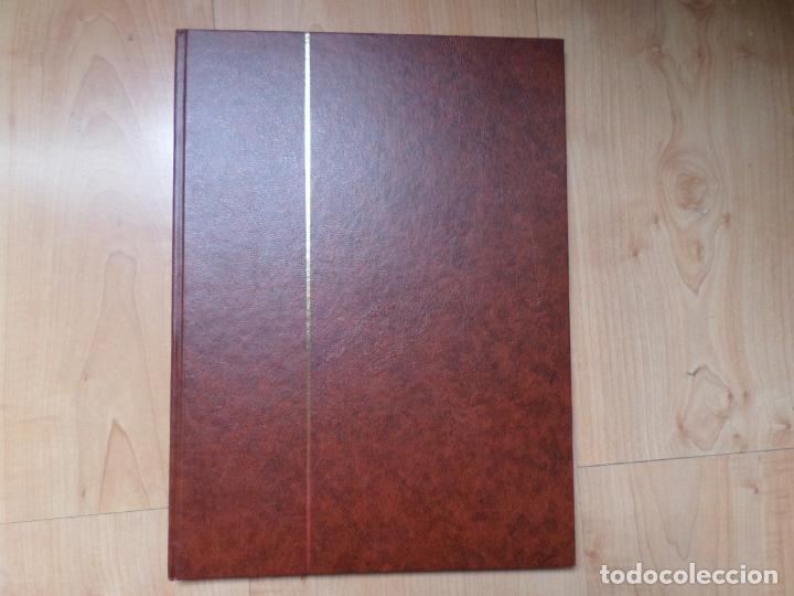 CLASIFICADOR 30 X 23 CM., 6 HOJAS, 12 PÁGINAS, 9 BANDAS POR PÁGINA (Sellos - Material Filatélico - Álbumes de Sellos)