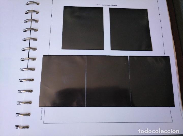 Sellos: Álbum con hojas Edifil para grupos de 4 años 1976/80 - Con protectores negros - Foto 10 - 278575208