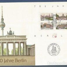 Sellos: ALEMANIA - 1987 - 750 AÑOS BERLIN - SOBRE CON BLOQUE Y MATASELLOS DEL PRIMER DÍA DE CIRCULACIÓN. Lote 181213531