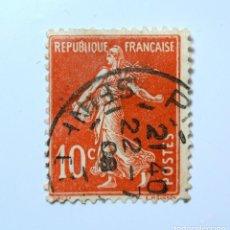 Sellos: SELLO POSTAL FRANCIA 1907, 10 C, SEMBRADORA FONDO LISO SIN SUELO TYPE IA, USADO. Lote 294989293