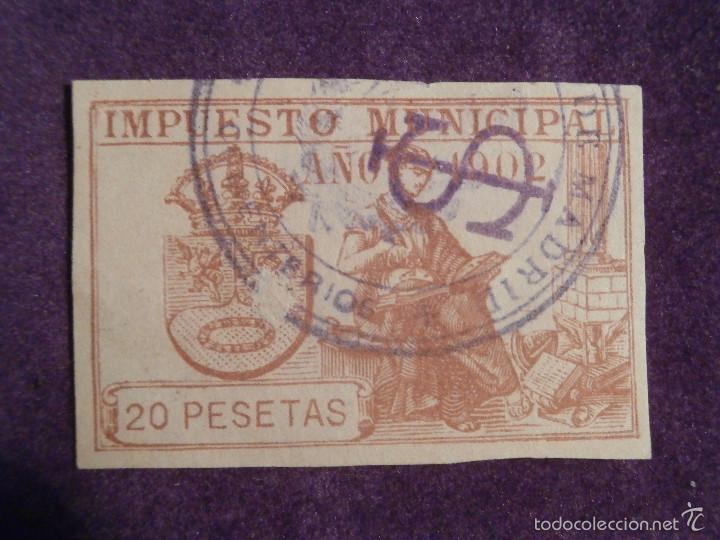SELLO - FISCAL - IMPUESTO MUNICIPAL - MADRID - AÑO 1902 - 20 PESETAS - TIMBRE - (Sellos - España - Alfonso XIII de 1.886 a 1.931 - Usados)
