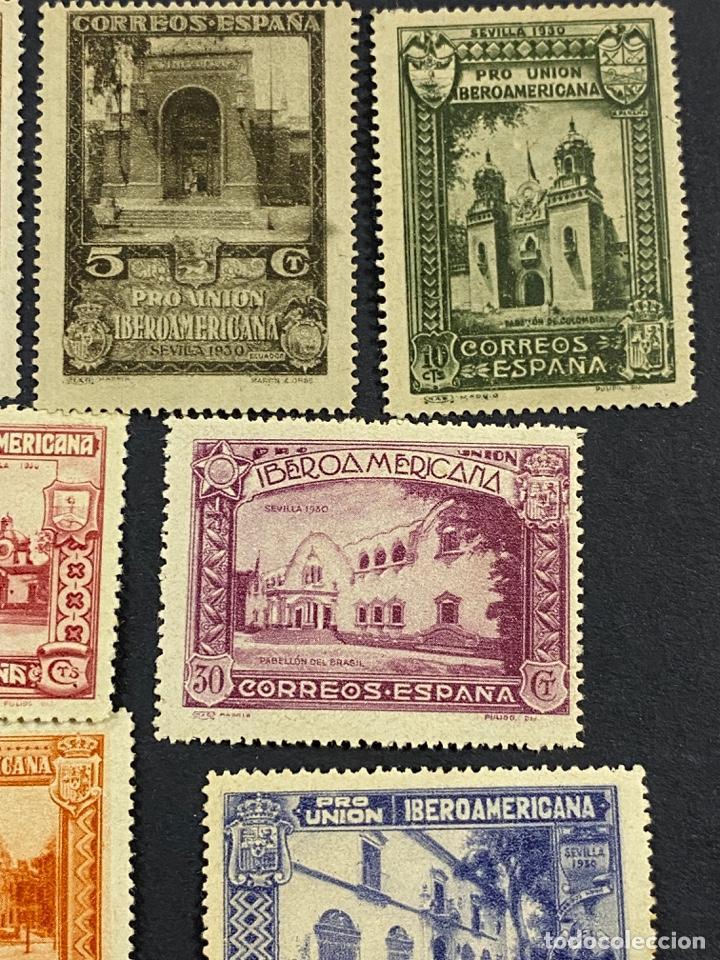 Sellos: ESPAÑA, 1930. EDIFIL 566/82. SERIE COMPLETA. NUEVOS. CON CHARNELA. - Foto 6 - 264131365