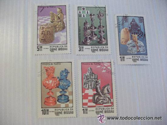 LOTE DE 5 SELLOS DE GUINEA BISSAU: PIEZAS DE AJEDREZ (Sellos - Temáticas - Arte)