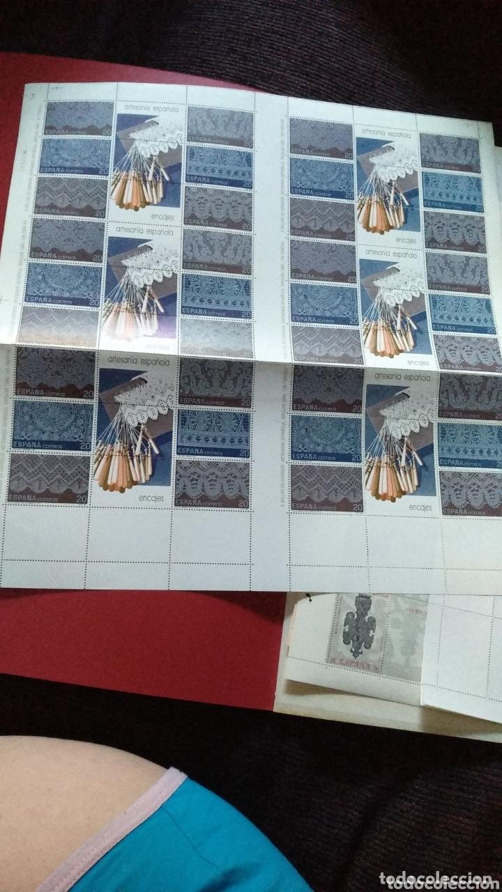 Sellos: Hoja bloque de 36 sellos (6 de 6) de 20 pts Artesanía Española Encajes 1989 - Foto 2 - 172868068