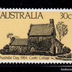 Sellos: AUSTRALIA 847** - AÑO 1984 - DIA NACIONAL - CASA DE CAMPO DE COOK. Lote 143544436