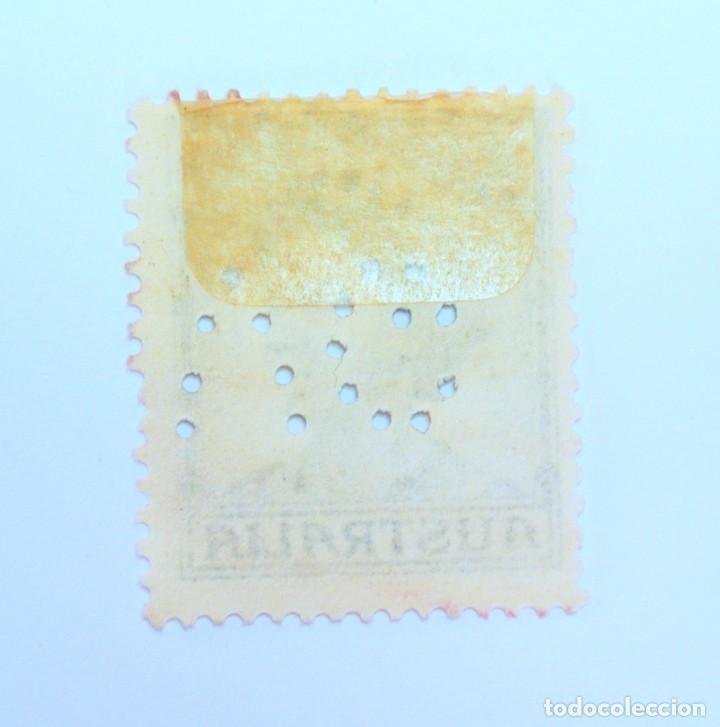 Sellos: Sello postal AUSTRALIA 1959, 5 d. REINA ELIZABETH II , Usado , Perforado oficial - Foto 2 - 153211146