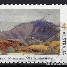 Sellos: AUSTRALIA 2002 - CENTENARIO NACIMIENTO PINTOR ALBERT NAMATJIRA, MONTE HERMANNSBURG - USADO ADHESIVO. Lote 211793310