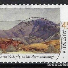 Sellos: AUSTRALIA 2002 - CENTENARIO NACIMIENTO PINTOR ALBERT NAMATJIRA, MONTE HERMANNSBURG - USADO ADHESIVO. Lote 211793352
