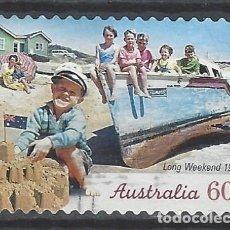 Sellos: AUSTRALIA 2010 - LARGO FIN DE SEMANA, NIÑOS EN LA PLAYA. 1950 - SELLO USADO ADHESIVO. Lote 212144921