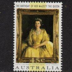 Sellos: AUSTRALIA 1357** - AÑO 1994 - ANIVERSARIO DE LAREINA ISABEL II. Lote 228173187