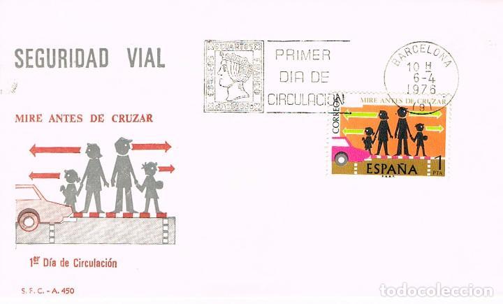 EDIFIL 2312, CRUCES DE PEATONES , MIRE ANTES DE CRUZAR (SEGURIDAD VIAL), PRIMER DIA DE 6-4-1976 SFC (Sellos - Temáticas - Automóviles)