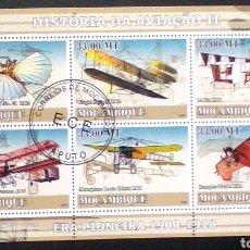 Sellos: PIONEROS DE LA AVIACIÓN HOJA BLOQUE DE SELLOS USADOS DE MOZAMBIQUE. Lote 187422428