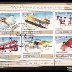 Sellos: PIONEROS DE LA AVIACIÓN HOJA BLOQUE DE SELLOS USADOS DE MOZAMBIQUE. Lote 209826077