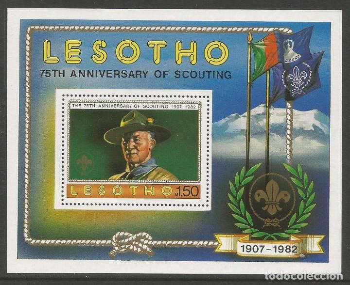 LESOTHO 1982 - BLOQUE - 75. ANIVERSARIO DE SCOUTING 1907 - 1982 (Sellos - Temáticas - Boy Scout)