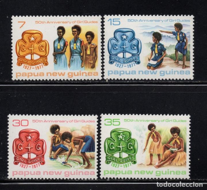 PAPUA 328/31** - AÑO 1977 - 50º ANIVERSARIO DEL MOVIMIENTO SCOUT FEMENINO (Sellos - Temáticas - Boy Scout)