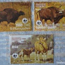 Sellos: TRES SELLOS DE CAMBOYA. Lote 196187000