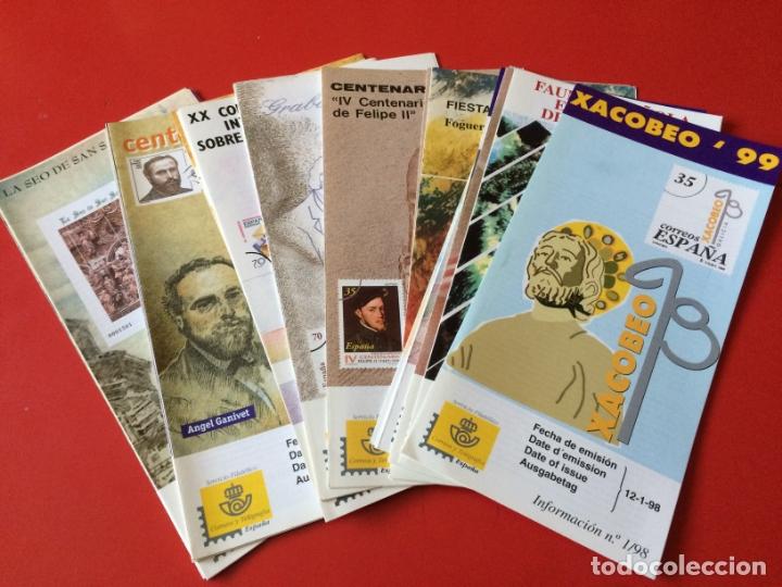 AÑO 1998---- 37 FOLLETOS INFORMATIVOS SERVICIO FILATELICO CORREOS (Filatelia - Sellos - Catálogos y Libros)