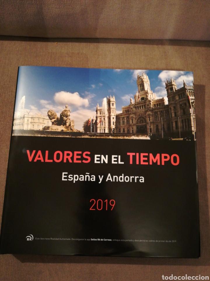 LIBRO VALORES EN EL TIEMPO 2019 DE CORREOS. SIN SELLOS (Filatelia - Sellos - Catálogos y Libros)