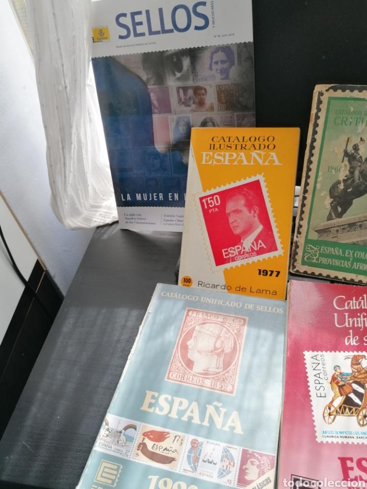 Sellos: Lote catálogos sellos 8 catálogos, una revista, destaca catálogo Critikian 1960 - Foto 2 - 200240732