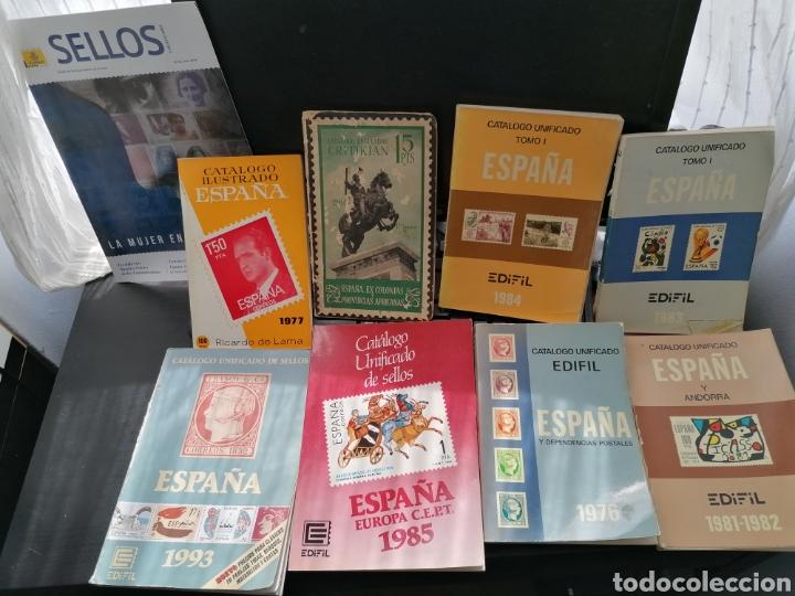 LOTE CATÁLOGOS SELLOS 8 CATÁLOGOS, UNA REVISTA, DESTACA CATÁLOGO CRITIKIAN 1960 (Filatelia - Sellos - Catálogos y Libros)