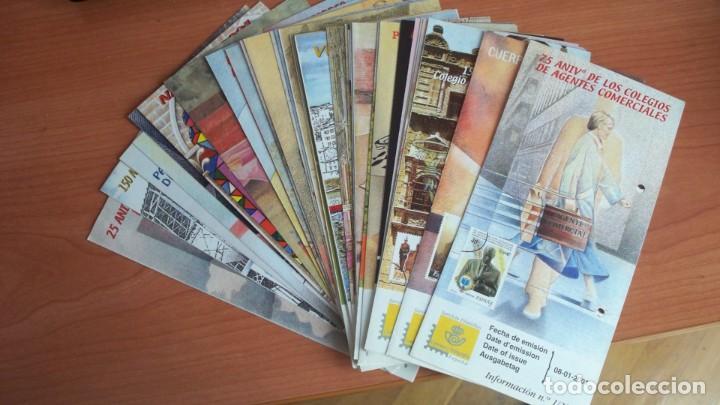 DIPTICOS INFORMATIVOS SERVICIO FILATELICO DE CORREOS AÑO 2001 (Filatelia - Sellos - Catálogos y Libros)