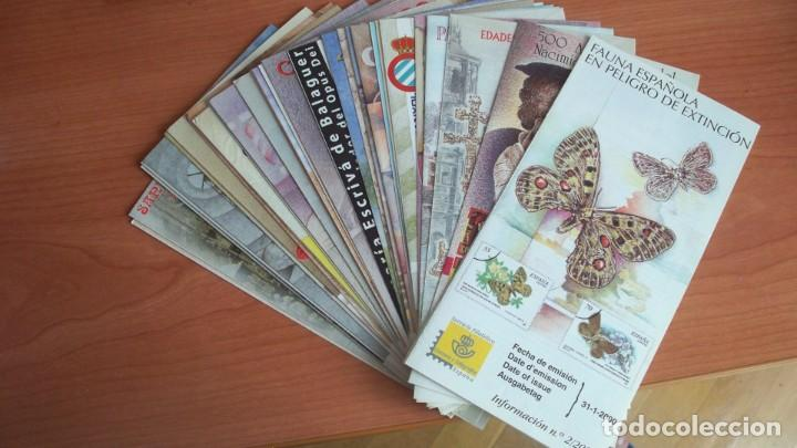 DIPTICOS INFORMATIVOS SERVICIO FILATELICO DE CORREOS AÑO 2000 (Filatelia - Sellos - Catálogos y Libros)